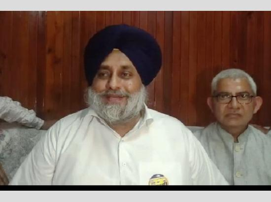 Former Congress Cabinet Minister extends support to Sukhbir Badal