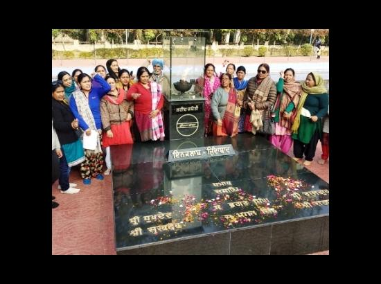 Uttrakhand Mahila Manch members visit Hussainiwala Martyrs' Memorial