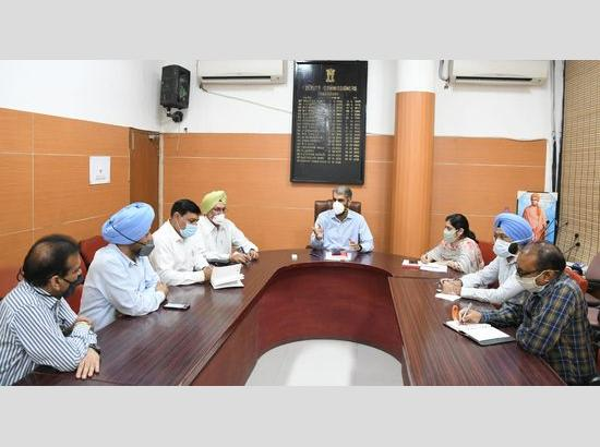 To curb COVID spread, Chandigarh DC seeks cooperation of FOSWAC & CRAWFED