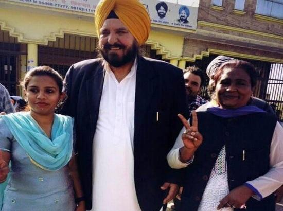 Akali-BJP leaders hand in glove with liquor mafia- Barinder Dhillon
