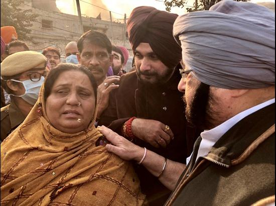 Factory Collapse: Amarinder visits Ludhiana, announces relief for kin of deceased