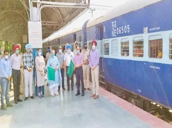 Around 4 lac migrants already facilitated through special trains on Amarinder's directions