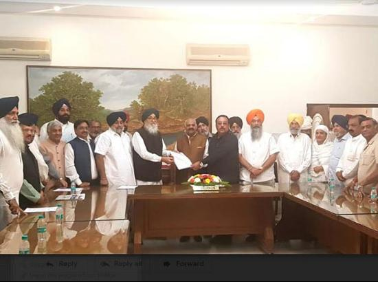 Badal led delegation of SAD-BJP meets Governor on Amritsar Tragedy