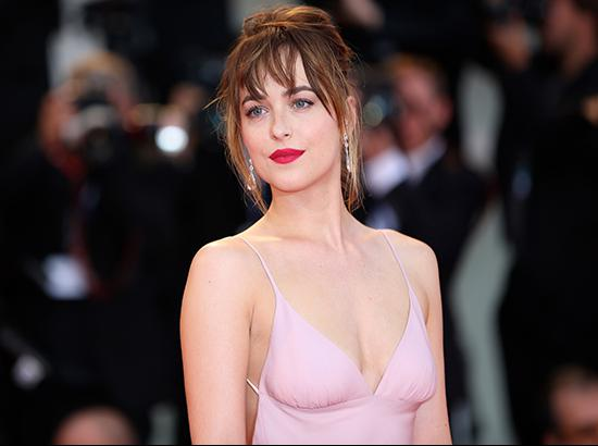 'Fifty Shades' sex scenes could've broken records: Dakota