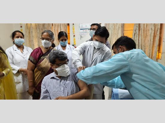 DRM Ferozepur Division gets first jab of Covid-19 vaccine