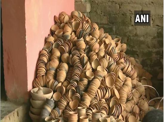 Ayodhya potters busy making 1.25 lakh earthen lamps