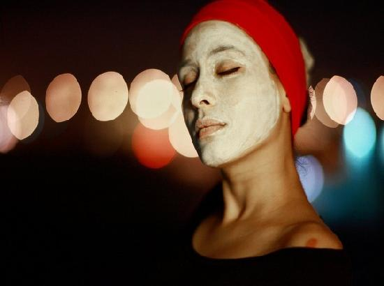 Experts suggest remedies for skin damages caused by face masks