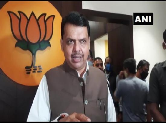 Fadnavis slams Maharashtra Home Minister for ordering probe into celebrities' tweets on fa