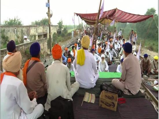 Punjab: Kisan Mazdoor Sangharsh Committee continues 'rail roko' agitation against farm bil