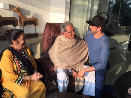 Hrithik Roshan's grandfather and filmmaker J Om Prakash dies at 93