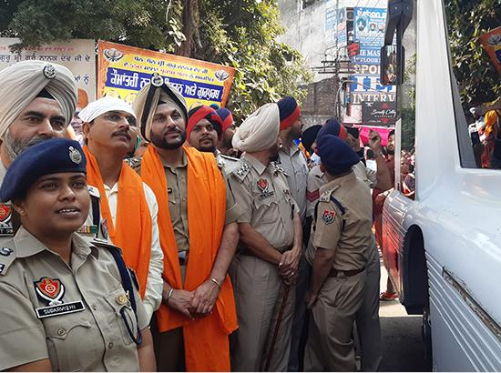 Jalandhar DC And CP Participate In International Nagar Kirtan To Mark 550th Parkash Purab