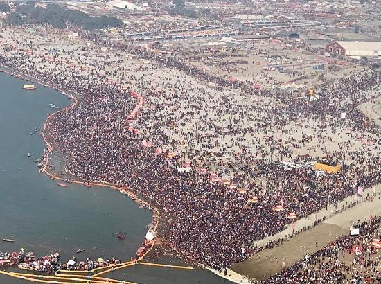 Kumbh Mela 2019: Watch hues of the gat