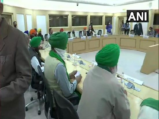 Union Ministers attend meeting with farmers' leaders at Vigyan Bhawan