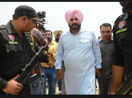 Navjot Sidhu gets Z plus security, Punjab also recommends CISF cover