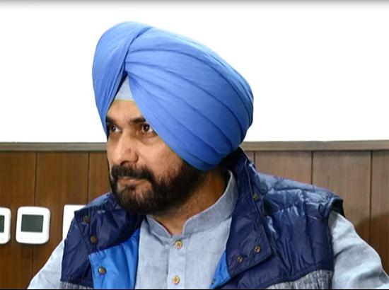 Is Navjot Sidhu hurt by Captain Government stand in SC?