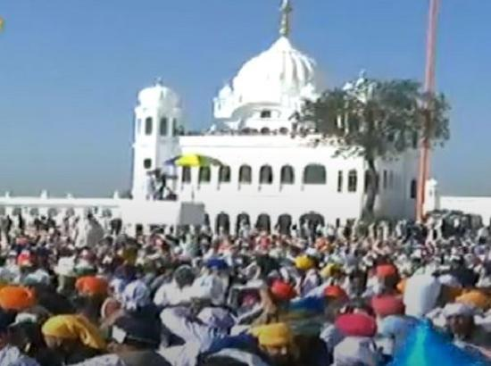 WATCH LIVE: Devotees reach Gurdwara Kartarpur Sahib in Pakistan