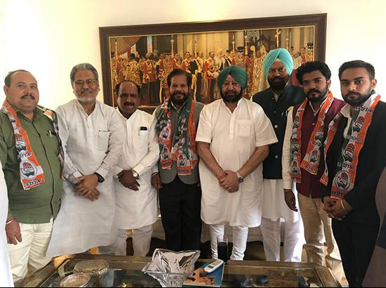 Former MP joins Congress, Amarinder welcomes