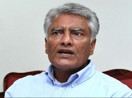 Instead of farmers, Modi Govt should serve NIA notice to Arnab Goswami: Jakhar