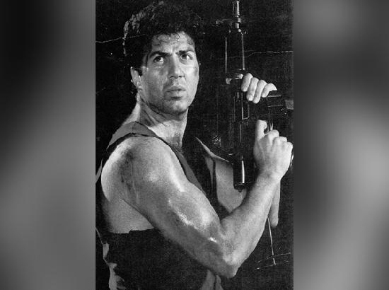 Dharmendra, Bobby wish Sunny Deol on his 64th birthday