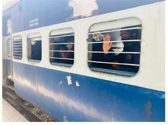 13 Trains to depart for Uttar Pradesh & Bihar