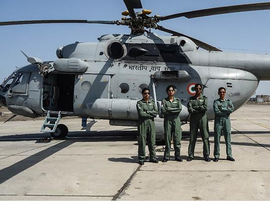 Women Pilot from Punjab & Chandigarh part of first all-women Crew to FLY MI-17 V5 helicopter